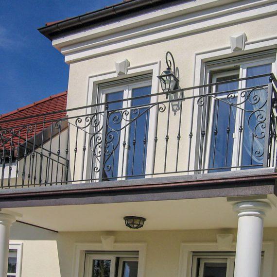 Balkon verspielt